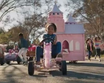 Super Bowl VW GoldieBlox Ad  Juxtapositon